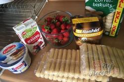 Příprava receptu Sladké jahodové tiramisu, krok 1