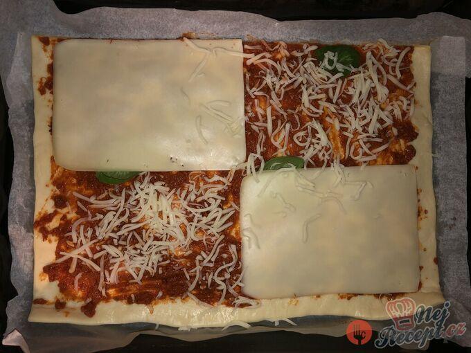 Recept Expresní domácí pizza z listového těsta