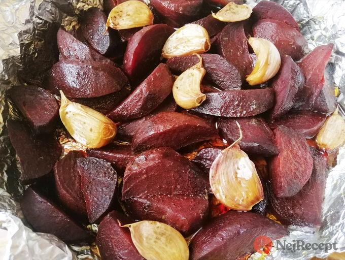 Recept Pečená řepa s česnekem