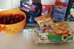 Příprava receptu Drobenkový třešňový koláček, krok 1