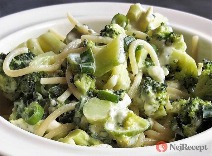 Recept Špagety s brokolicí a nivou