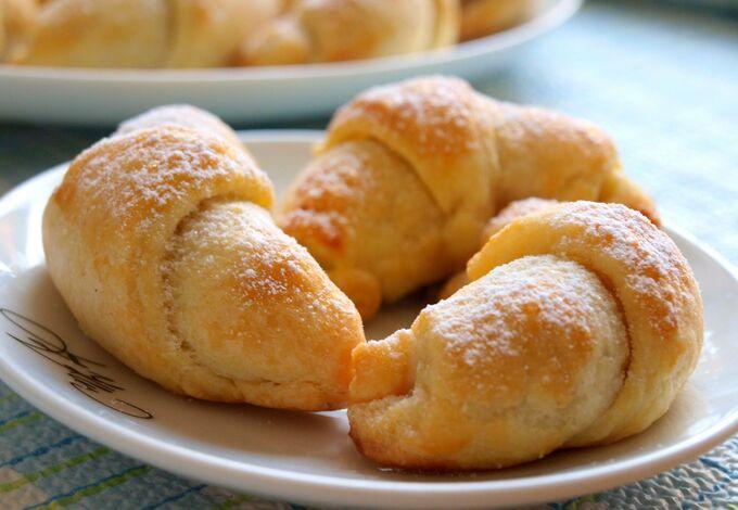 Recept Šlehačkové rohlíčky s ořechovou náplní