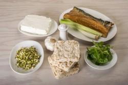Příprava receptu Pomazánka z uzené makrely a pečeného česneku, krok 1
