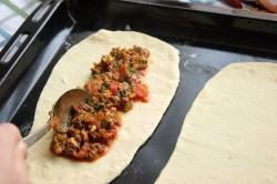Příprava receptu PIDE - turecké rychlé občerstvení, krok 2