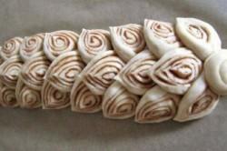 Příprava receptu Elegantní kynutý skořicový závin, krok 3