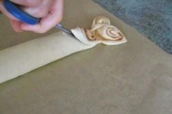 Příprava receptu Elegantní kynutý skořicový závin, krok 2