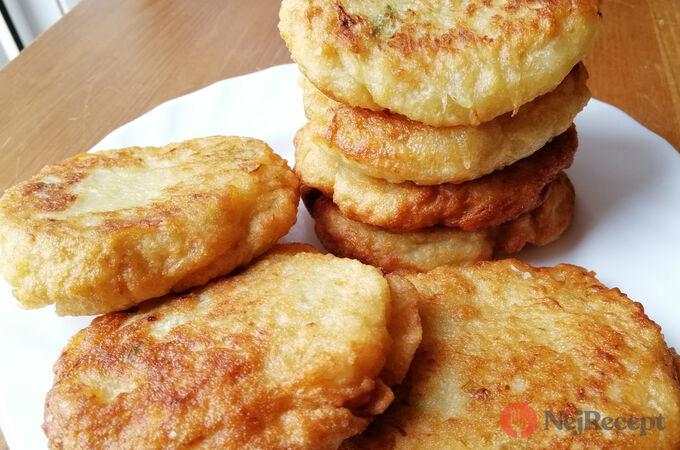 Recept Bleskové cuketové placičky s česnekem