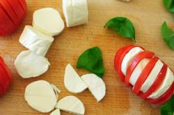 Příprava receptu Rychlé caprese, připravené za 5 minut, krok 5
