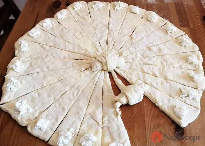 Recept Mini skládané máslové rohlíčky s tvarohovou náplní