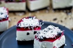 Příprava receptu Nepečené jogurtové řezy s kokosovým želé, krok 2