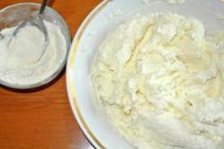 Příprava receptu Jemné tvarohové knedlíky, krok 2