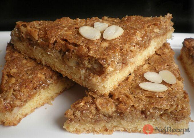 Recept Ořechové trojhránky - návykové ořechové trojúhelníčky