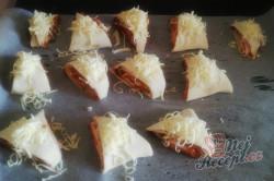 Příprava receptu Slané pizza trojúhelníčky, krok 3