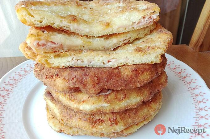 Recept Šunkovo sýrové placky - skvělá blesková večeře, při které nepotřebujete váhu