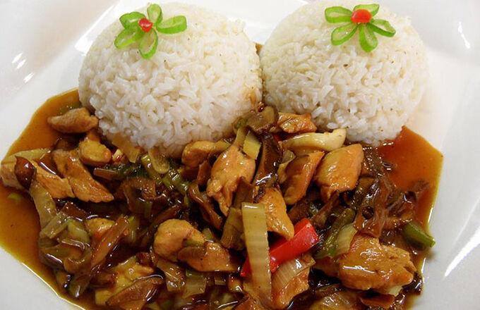 Recept Kuřecí masíčko na čínský způsob podávané s rýží