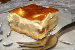Příprava receptu Jablečný koláč přelitý smetanovou omáčkou, krok 4
