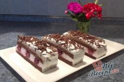 Příprava receptu Výborné jogurtové řezy s ovocem, krok 14
