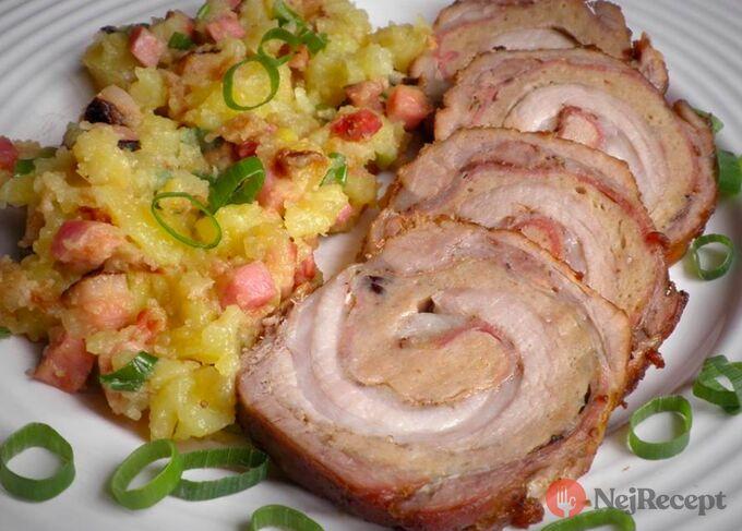 Recept Pečený rolovaný vepřový bok se šťouchanými bramborami