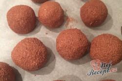 Příprava receptu Dvoubarevné FITNESS kuličky z tvarohu a kokosu bez cukru, mouky a vajíčka, krok 6
