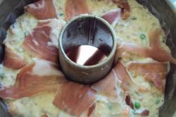 Příprava receptu Slavnostní slaná bábovka se slaninkou a houbovou omáčkou, krok 6