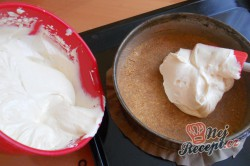 Příprava receptu Tvarohový cheesecake s bílou čokoládou, krok 6