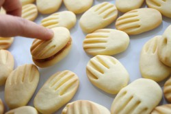 Příprava receptu Křehoučké máslové sušenky, krok 11