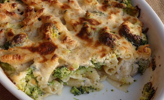 Recept Zapečené těstoviny s brokolicí a kuřecím masem