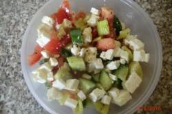 Příprava receptu Zeleninový salát s balkánem, krok 11