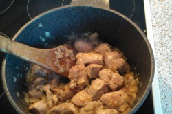 Příprava receptu Segedínský guláš - fotopostup, krok 2