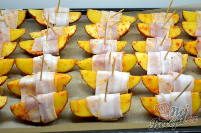 15cf2a0f49 Recept Brambory v slaninovém županu
