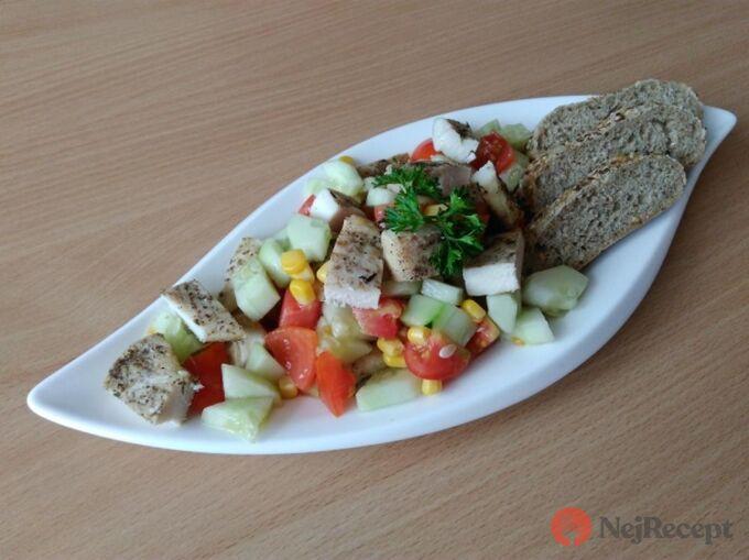 Recept Zeleninový salátek s kuřecím masem