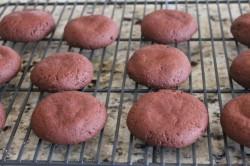 Příprava receptu Kakaové sušenky s arašídovým krémem, krok 5