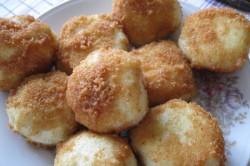 Příprava receptu Speciální bramborové knedlíky se švestkami, tvarohem a skořicí, krok 4
