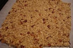 Příprava receptu Domácí müsli tyčinky bez přidaných ,,éček,,, krok 2