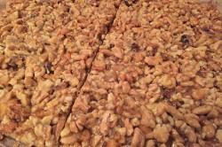 Příprava receptu Fenomenální medové řezy s ořechy, krok 12