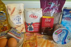 Příprava receptu Jednoduché rychlořezy s jogurtovým krémem, krok 1