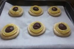 Příprava receptu Pudinkovo-švestkové koláče, krok 1