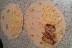 Příprava receptu Quesadilla s kuřecím masem a goudou, krok 4
