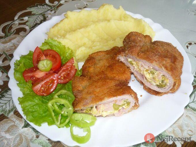 Recept Krkovička plněná míchanými vajíčky se šunkou a hráškem