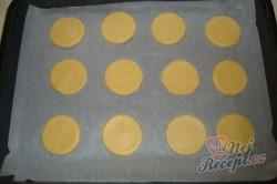 Příprava receptu Kolečka s ořechovým sněhem, krok 2