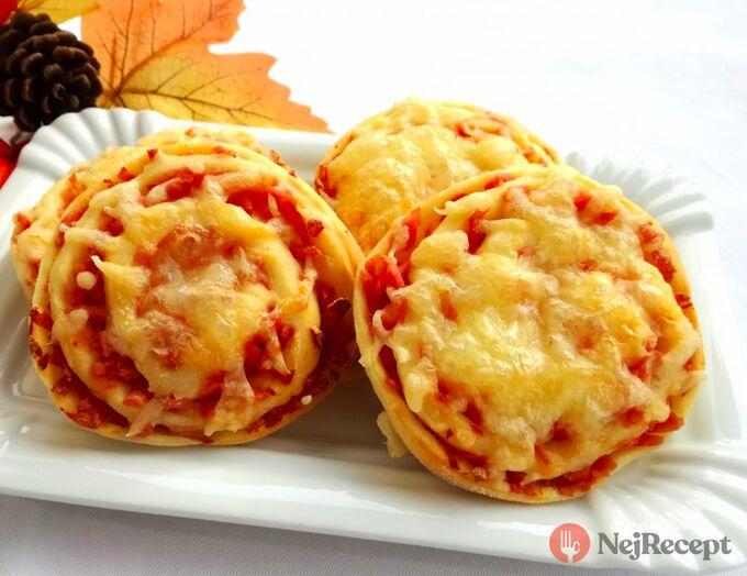 Recept Šneci se šunkou a sýrem - pizzovníky