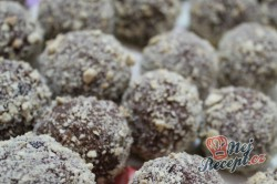 Příprava receptu Rumové kuličky obalené v sušenkách, krok 1
