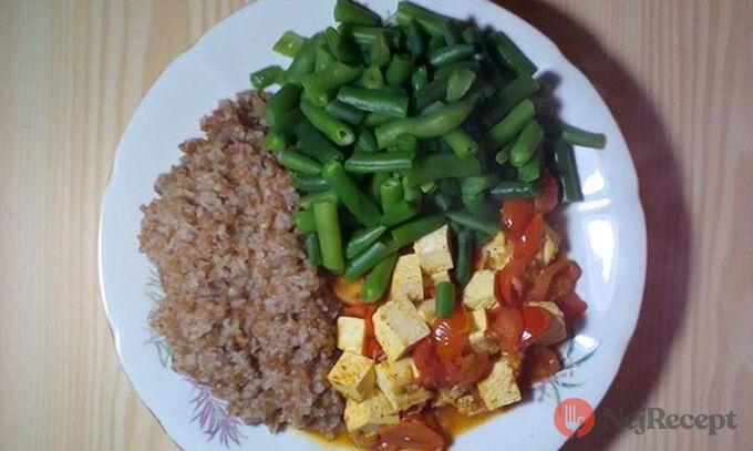 Recept Bulgur s tofu a rajčatovou šťávou