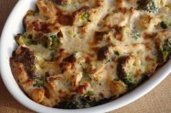 Příprava receptu Zapečené těstoviny s brokolicí a kuřecím masem, krok 2