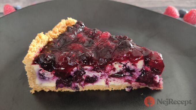 Recept Tvarohový koláč s bobulovým ovocem - cheesecake