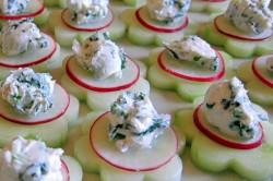 Příprava receptu Zdravé okurkové jednohubky s pažitkovou pomazánkou, krok 3