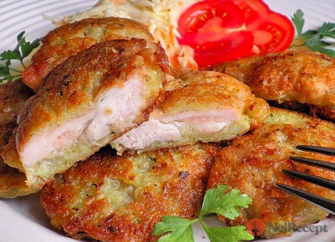 Recept Kuřecí maso v bramboráku a salát Coleslaw