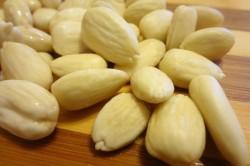 Příprava receptu Falešné exotické Raffaello, krok 1