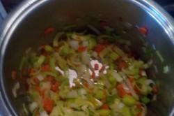 Příprava receptu Porková polévka se sýrem, krok 1