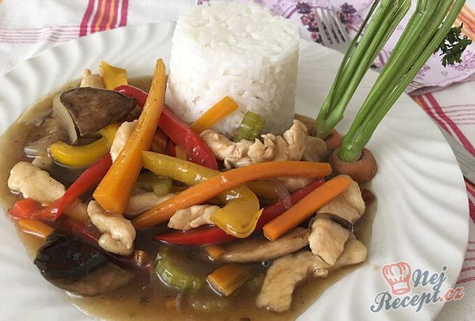Recept Kuřecí nudličky se zeleninou na styl čínské restaurace